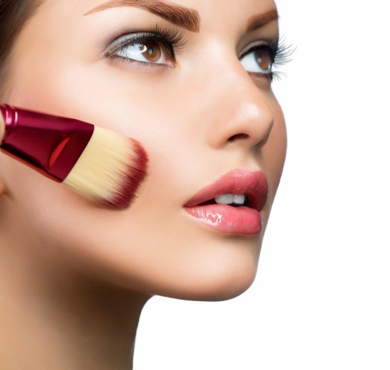 Виды и характеристики основ под макияж